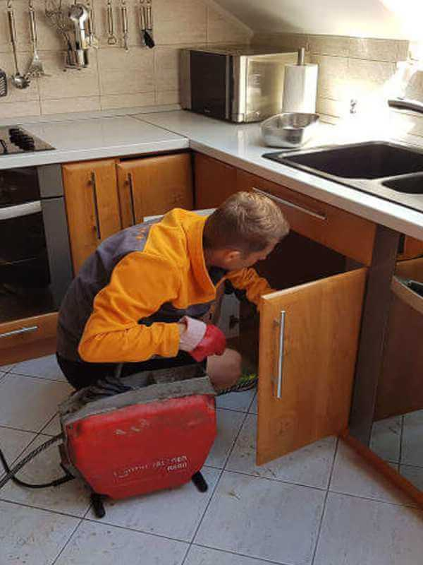 Elektromechanické krtkovanie - čistenie upchatých odpadov a odtokov - Východné Slovensko - 100% Garantovaná cena